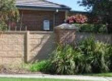 Kwikfynd Barrier wall fencing rockingham